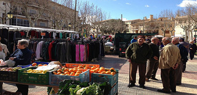 weekly-market-in-santa-margalida